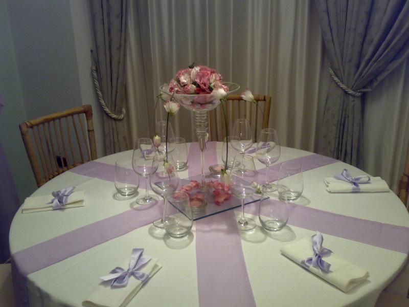 Tavolo bianco e lilla - Tavolo per prima comunione ...