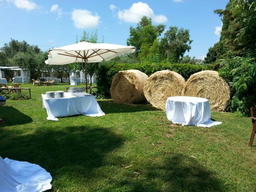 Wedding inspiration dettagli personalizzati per un for Addobbi piscina per matrimonio